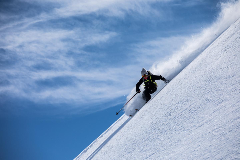 Adventures- skiing- Guide-Caroline-George