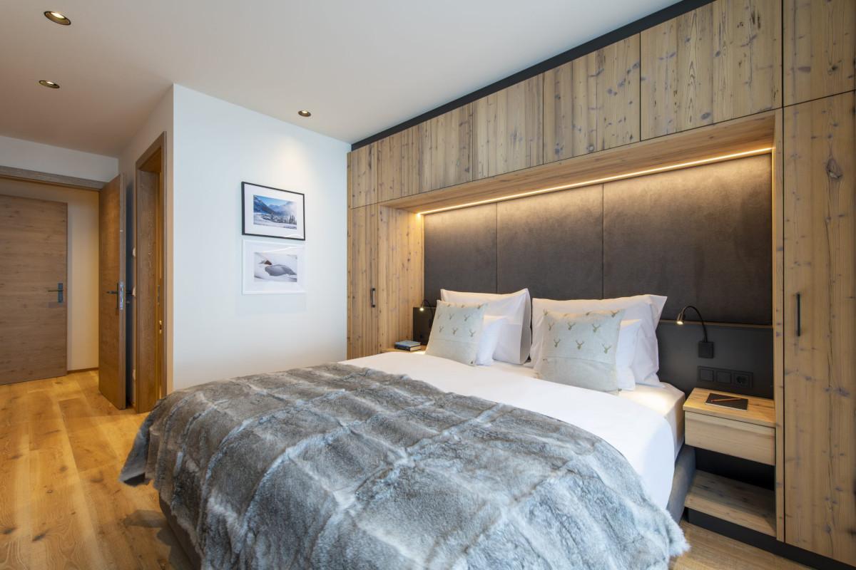 Ensuite Double bedroom at Apartment Brunnenhof 1 in Lech