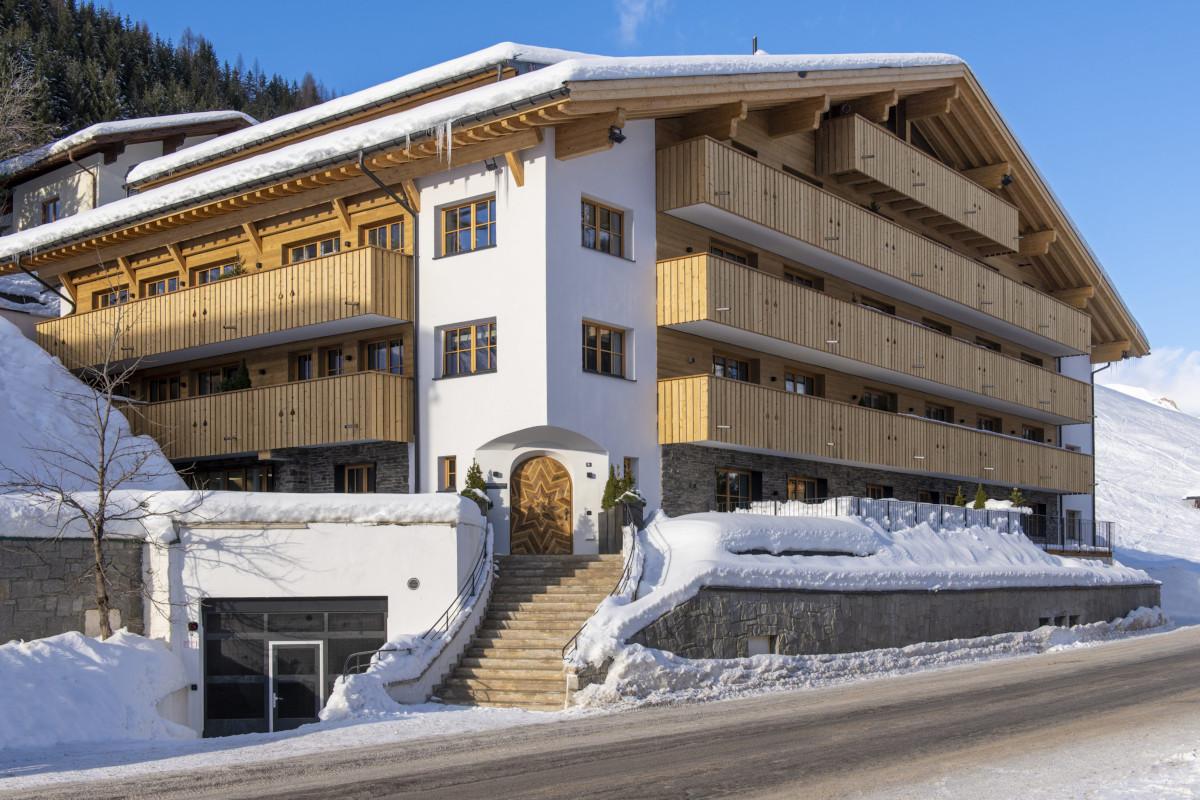 Exterior entrance at Apartment Brunnenhof 1 in Lech