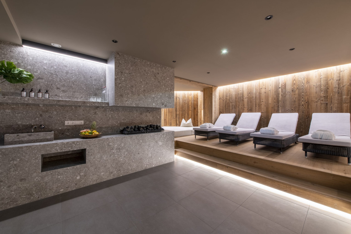 Spa and relaxation area at Chalet Brunnenhof in Lech