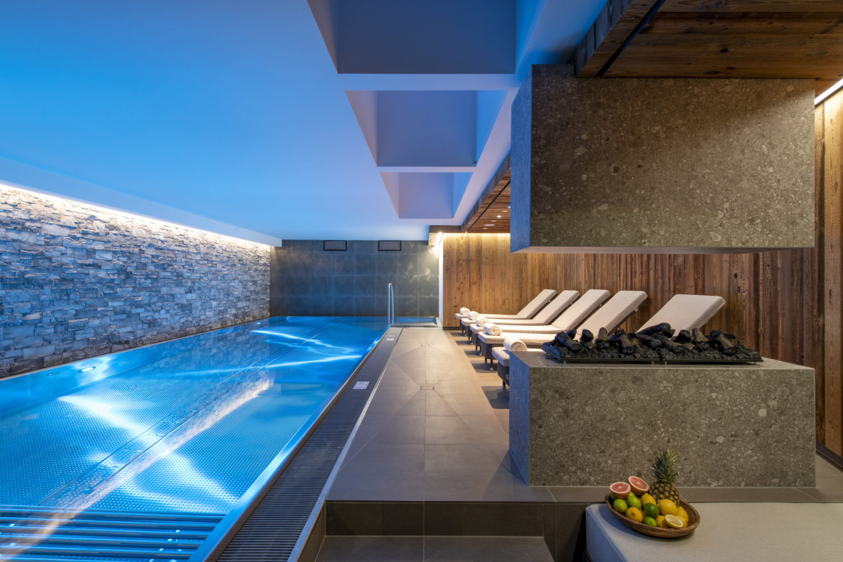 Spa and swimming pool relaxation area at Apartment Brunnenhof 1 in Lech