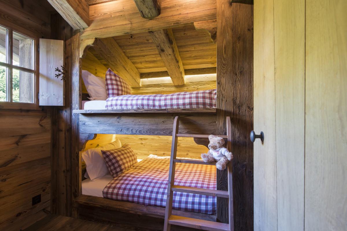 Twin bunk room at Chalet Aline in Verbier