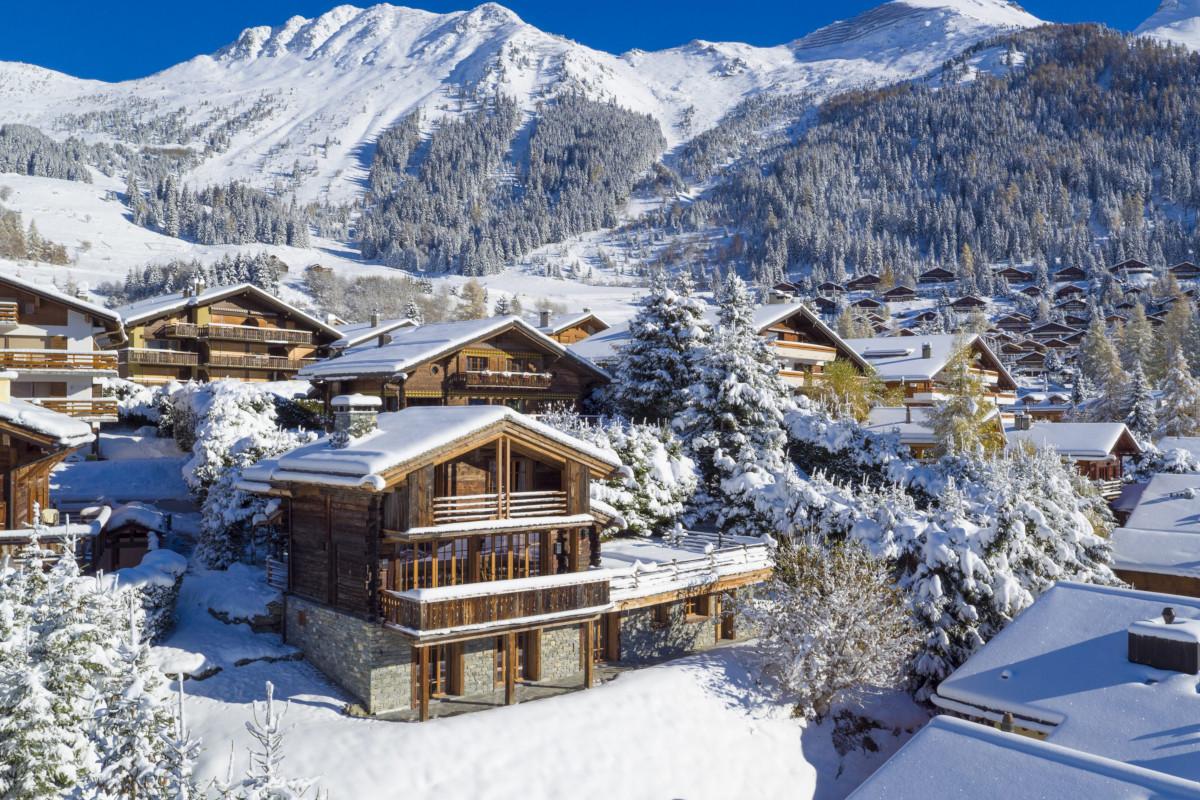 Exterior winter view of Chalet Aline in Verbier