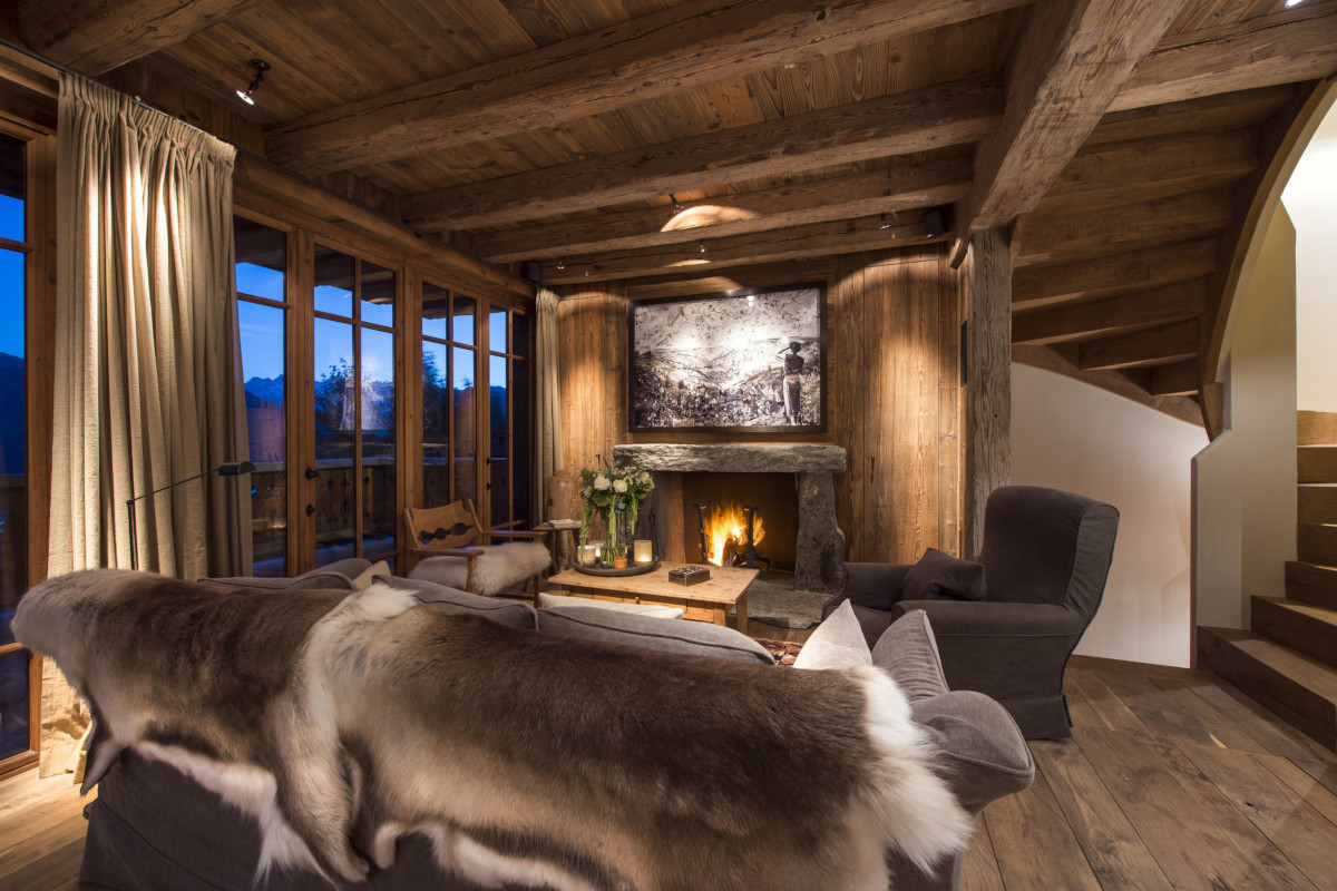 Evening open fire ambience at Chalet Aline in Verbier
