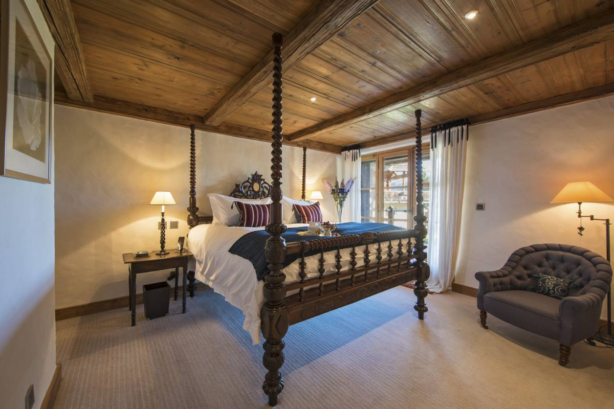Double bedroom at Bella Coola Estate in Verbier