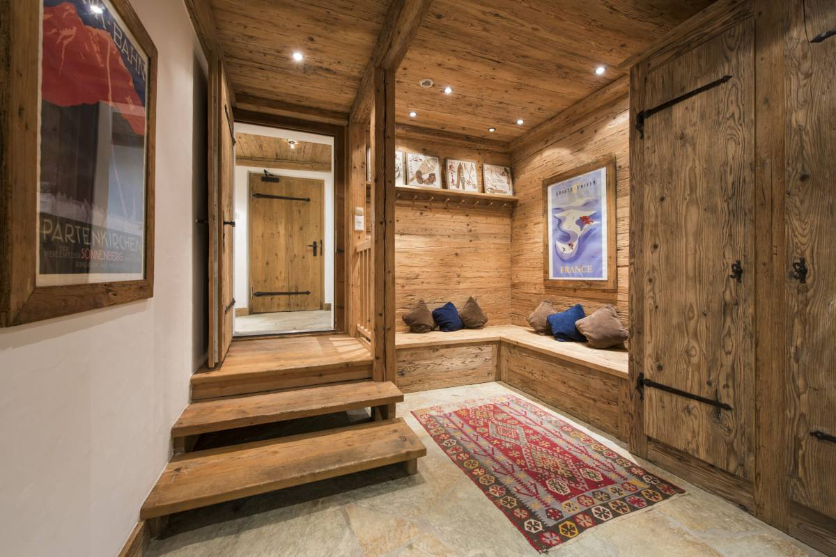 Entrance hall at Chalet Le Ti at Bella Coola Estate in Verbier