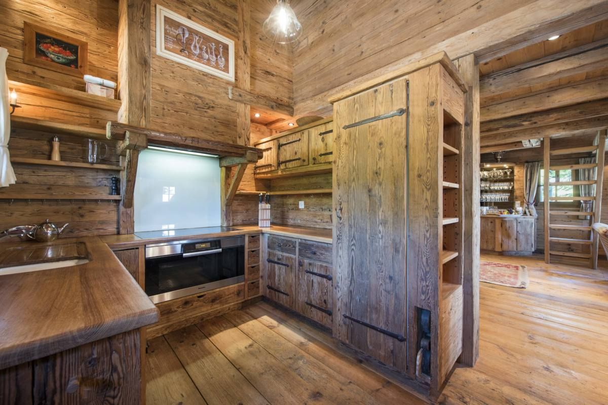Kitchen in Chalet Le Ti at Bella Coola Estate in Verbier