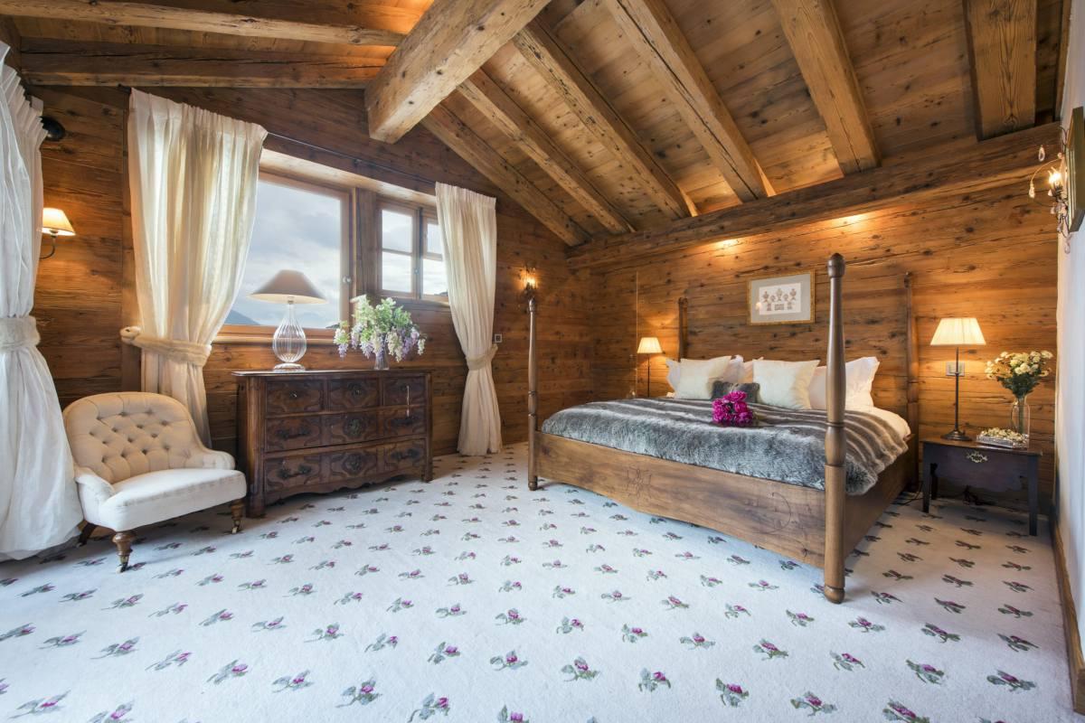 Master bedroom at Chalet Bella Coola in Verbier