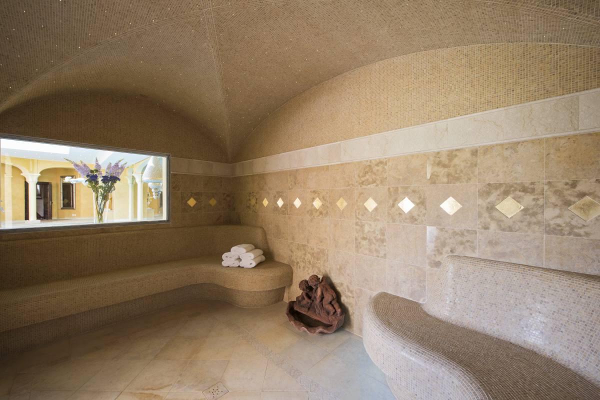 Hammam in spa area at Chalet Bella Coola in Verbier