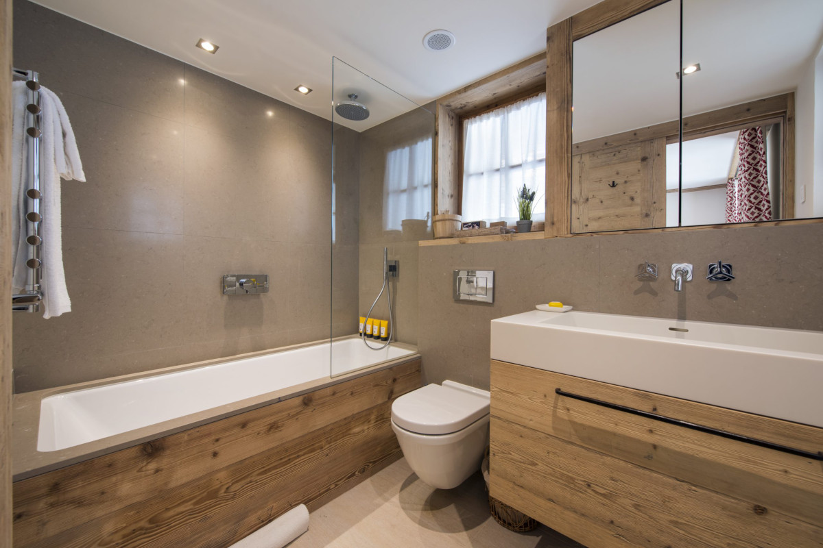 Bathroom ensuite at Chalet Bioley in Verbier