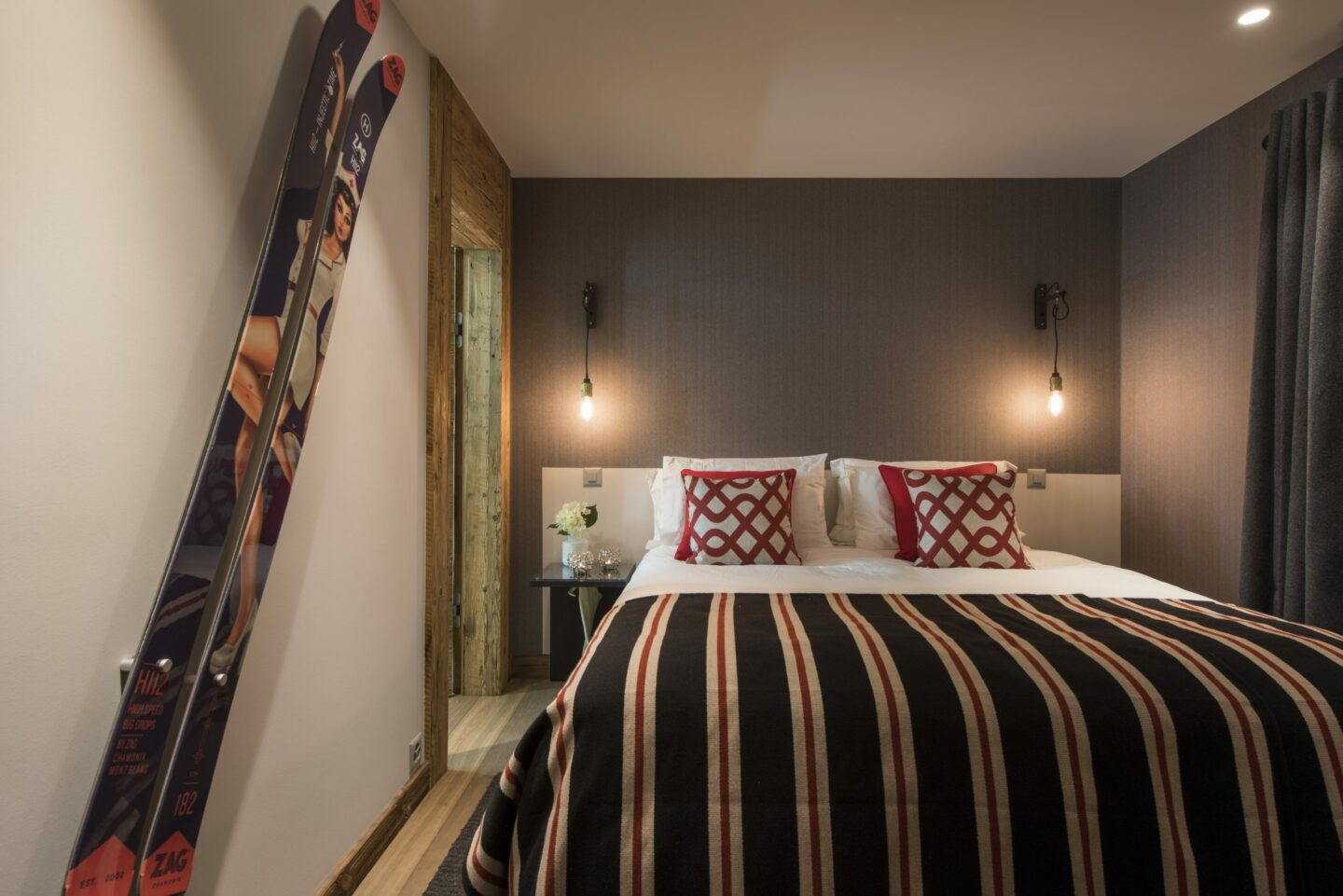 Double bedroom with ensuite at Chalet in Verbier