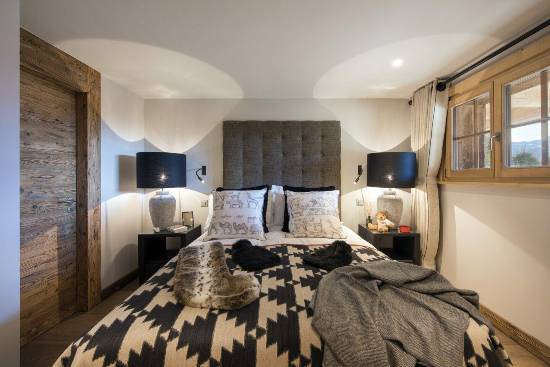 Double bedroom at chalet Daphne in Verbier