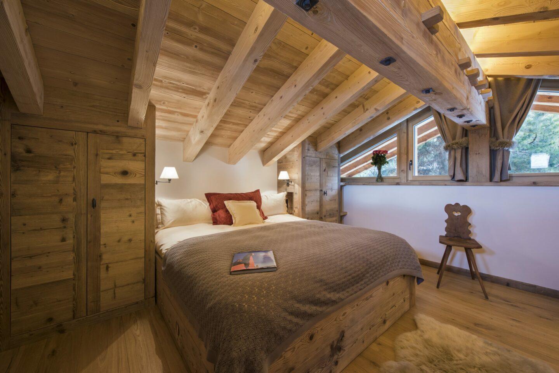 Double ensuite bedroom at Chalet Delormes in Verbier
