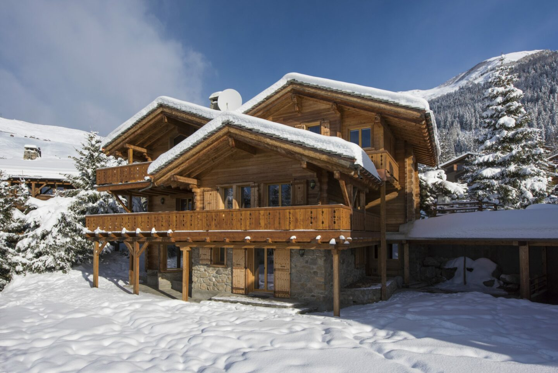 Exterior winter snow scene at Chalet Delormes in Verbier