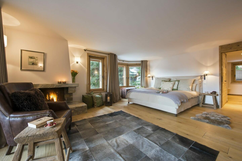 Ensuite master bedroom at Chalet Delormes in Verbier