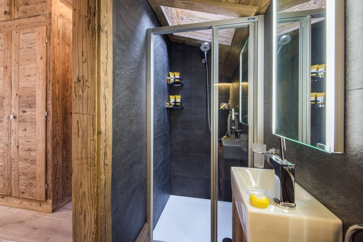 Guest WC at Chalet La Datcha in Verbier