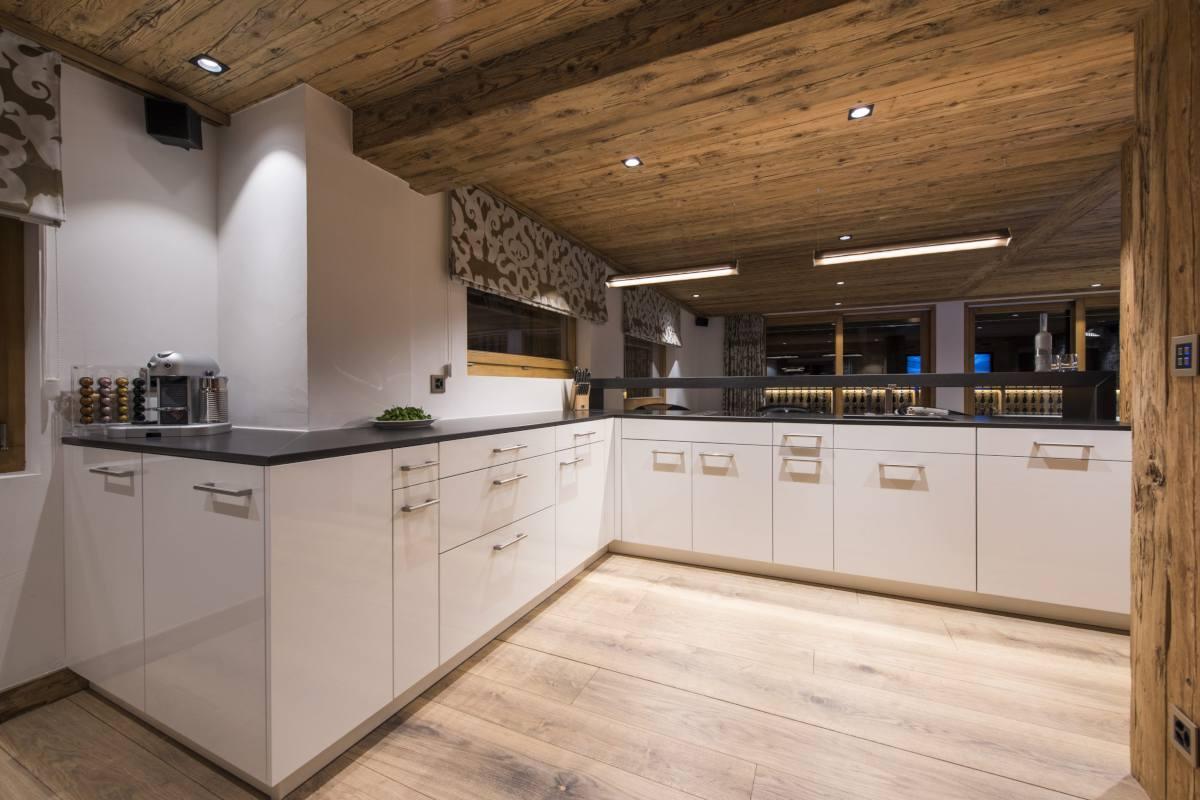 Modern kitchen at Chalet La Datcha in Verbier