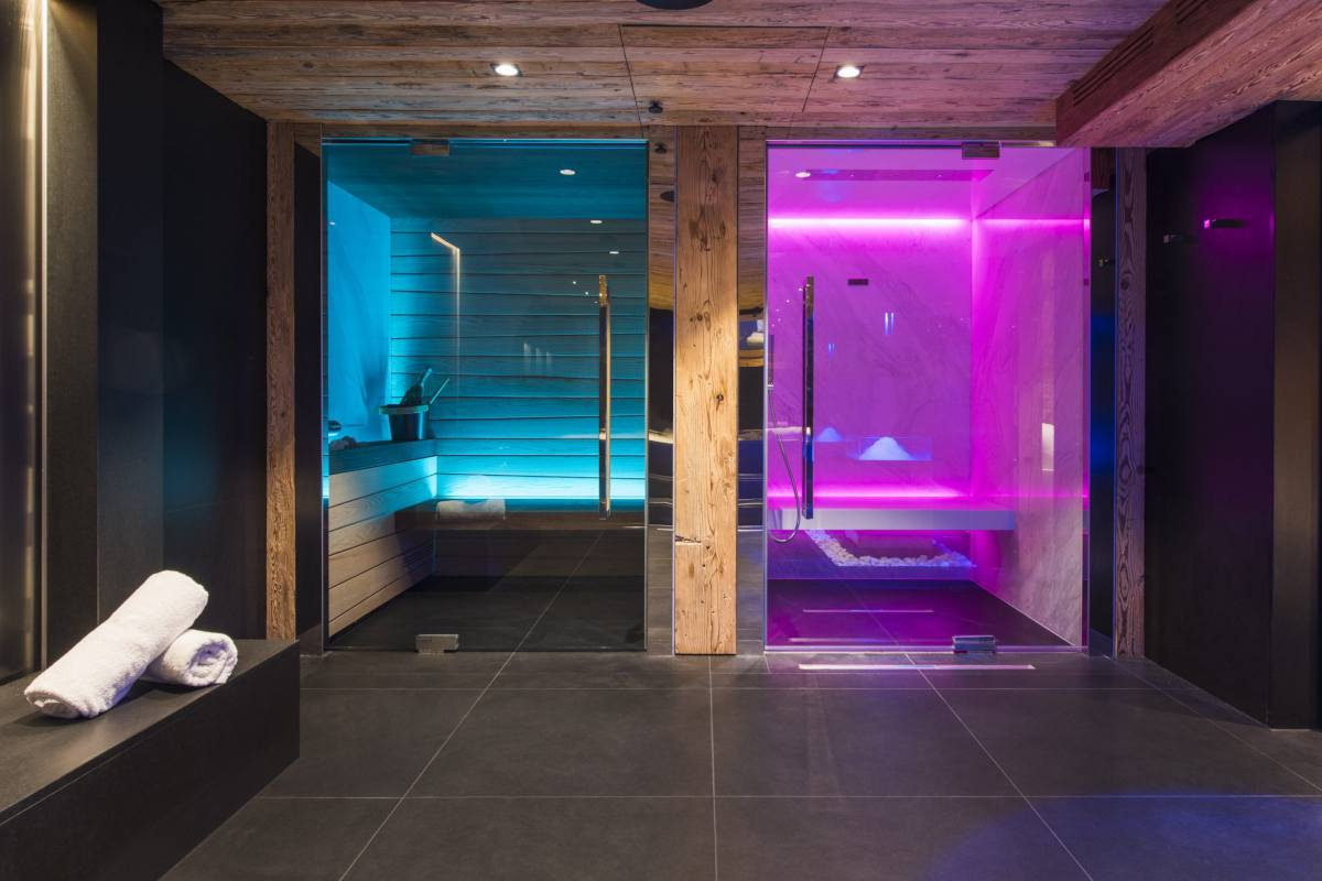 Spa with mood-lit sauna and hammam at Chalet La Datcha in Verbier