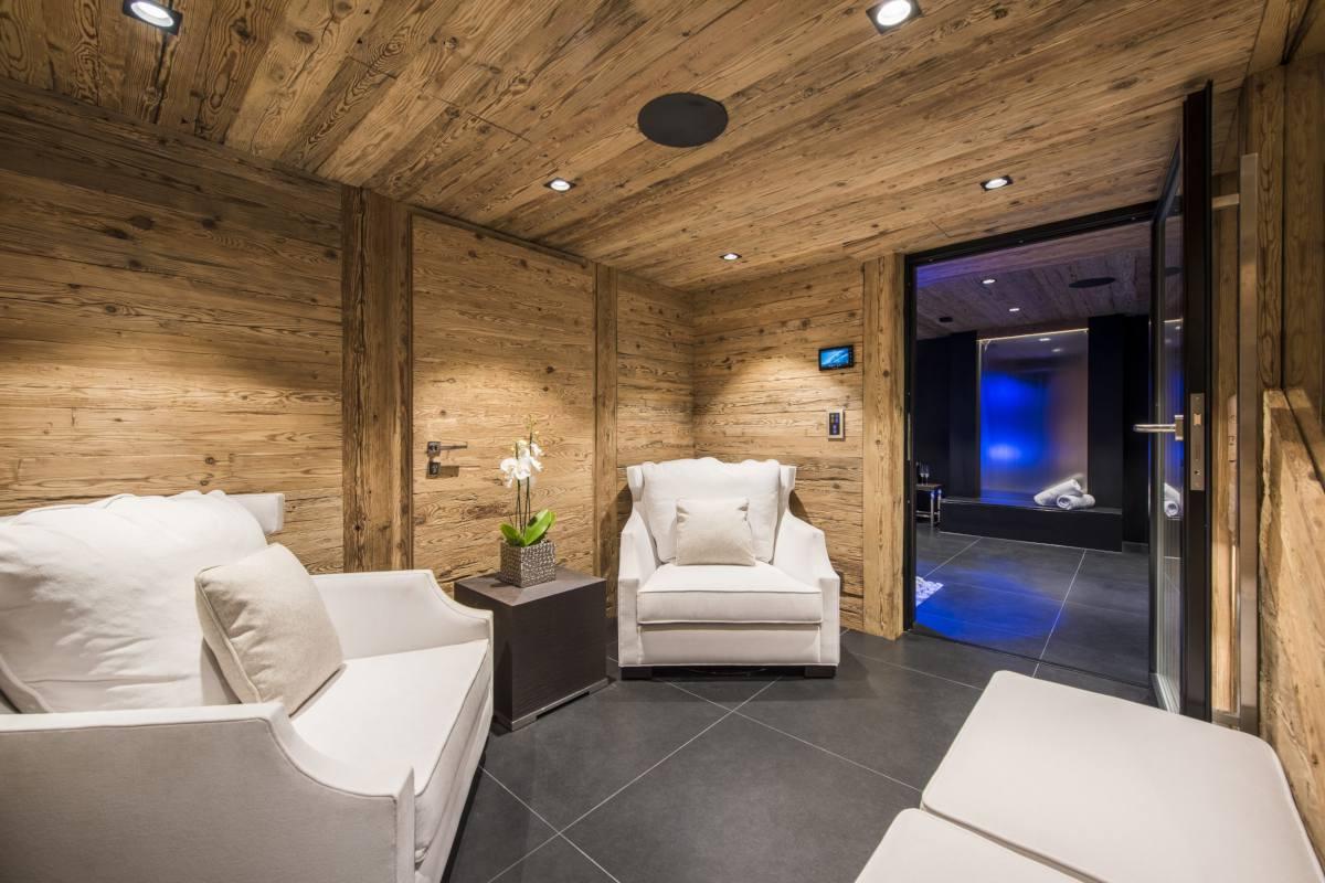 Spa lounge at Chalet La Datcha in Verbier