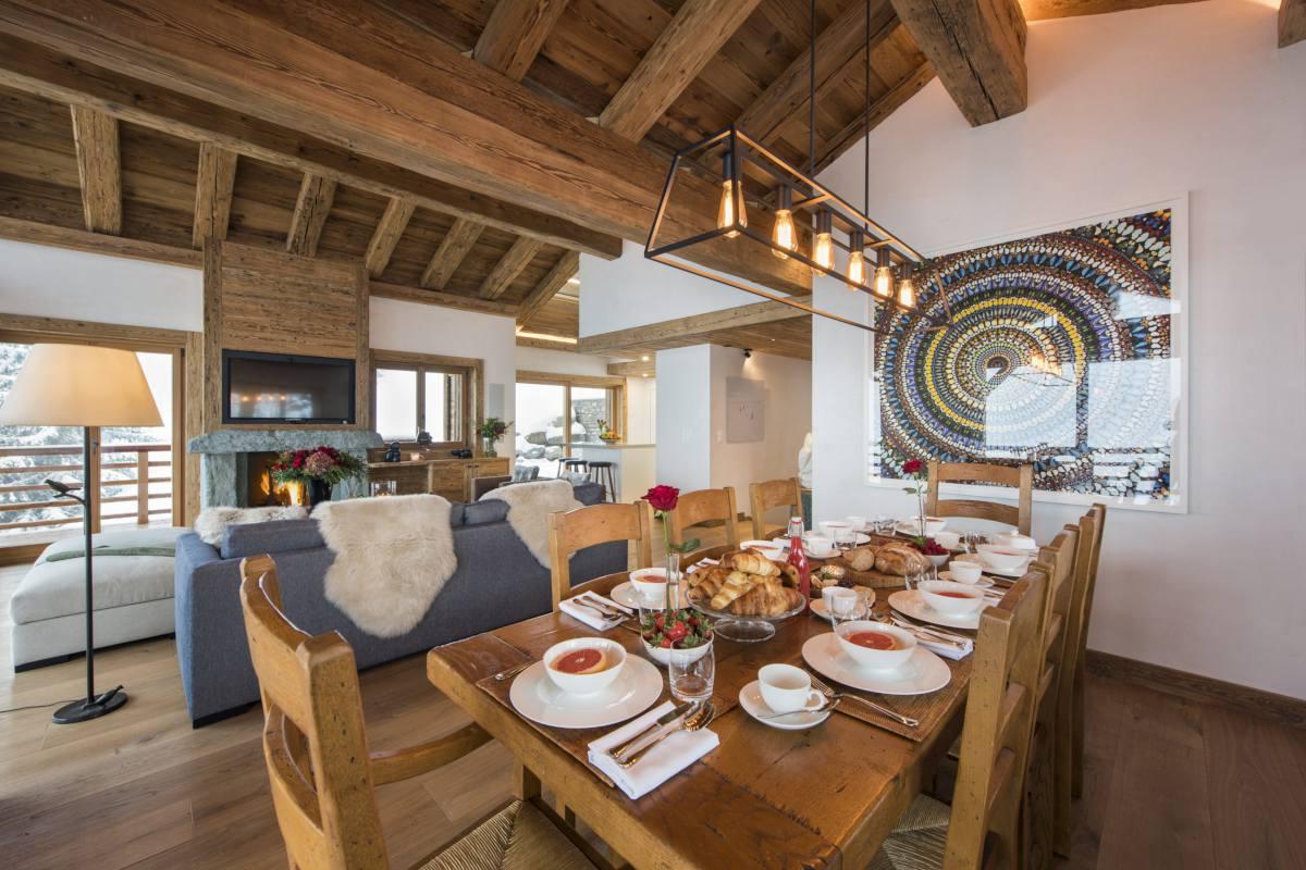 Dining table set for breakfast at Chalet La Vigne in Verbier