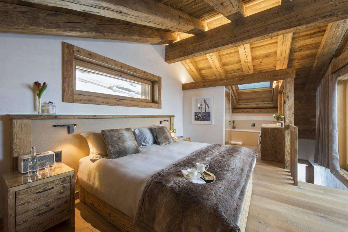 Master bedroom at Chalet La Vigne in Verbier