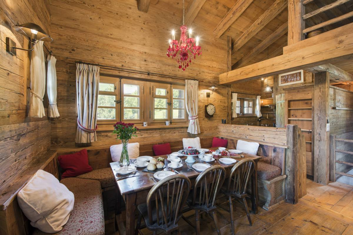 Dining table at Chalet Le Ti in Verbier