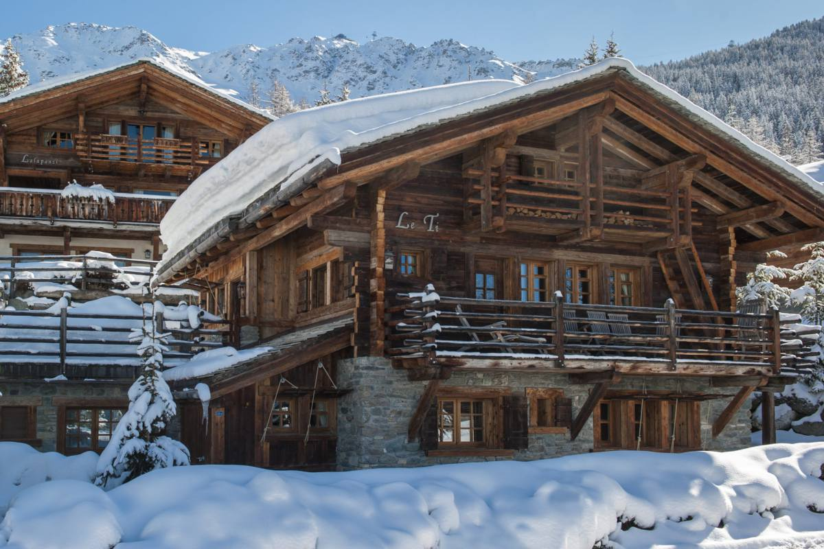 Exterior view in winter of Chalet Le Ti in Verbier