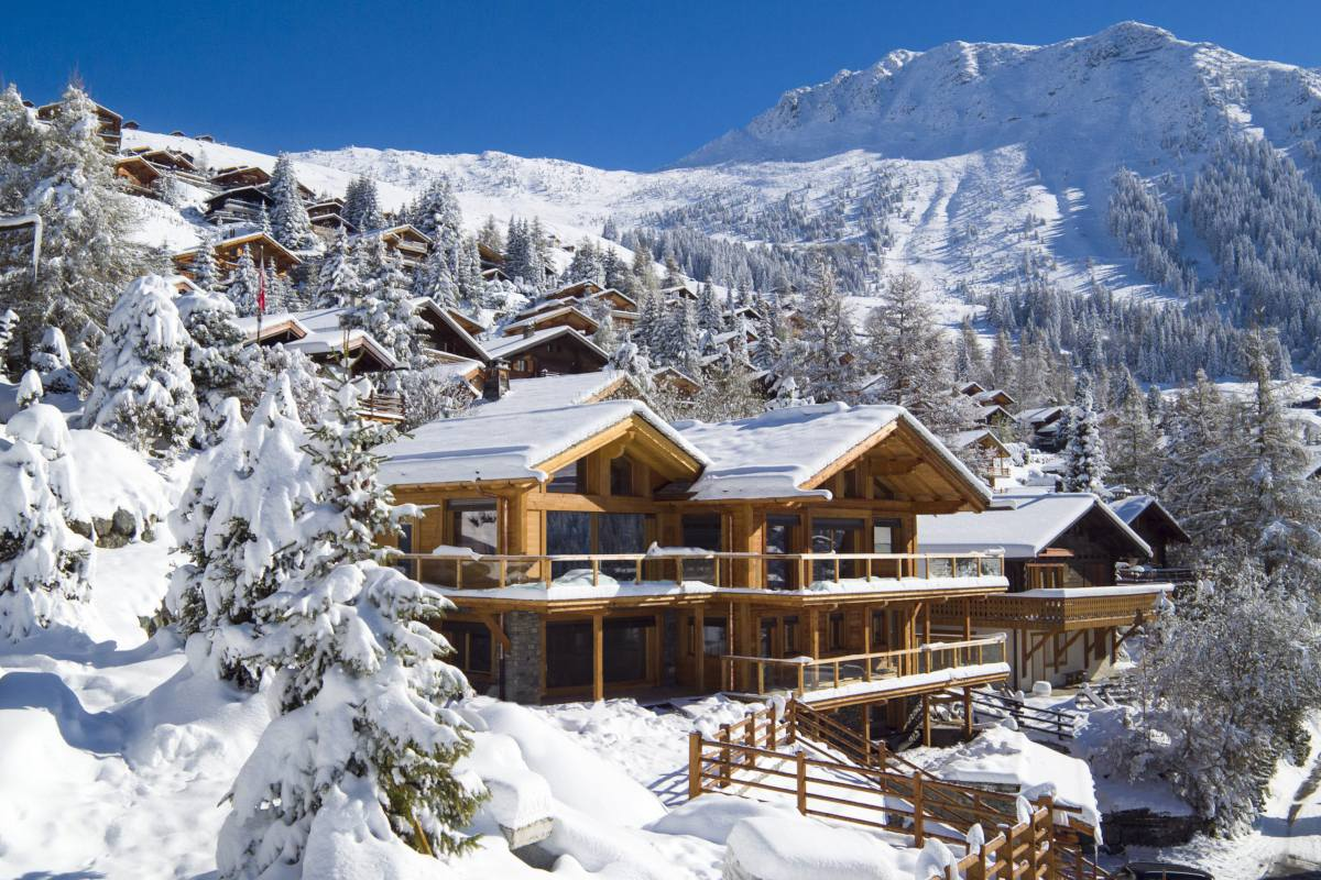 Exterior view in winter of Chalet Les Etrennes in Verbier