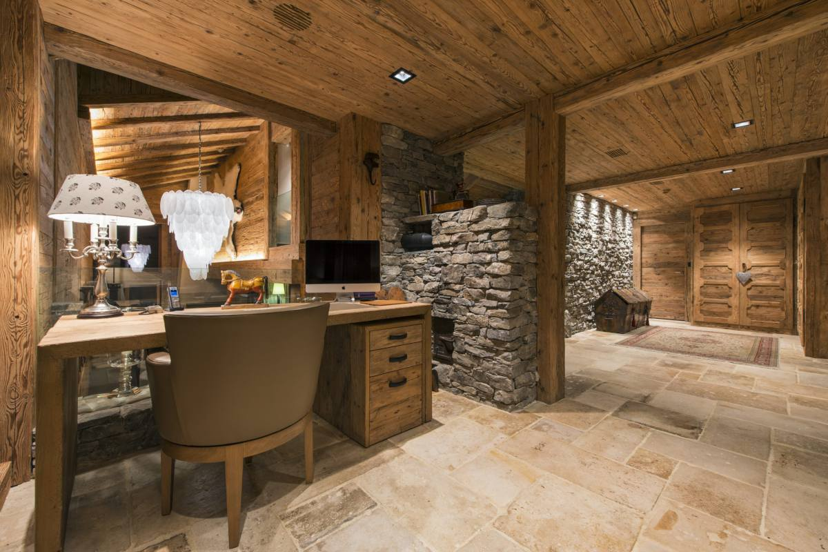 Office area at Chalet Makini in Verbier
