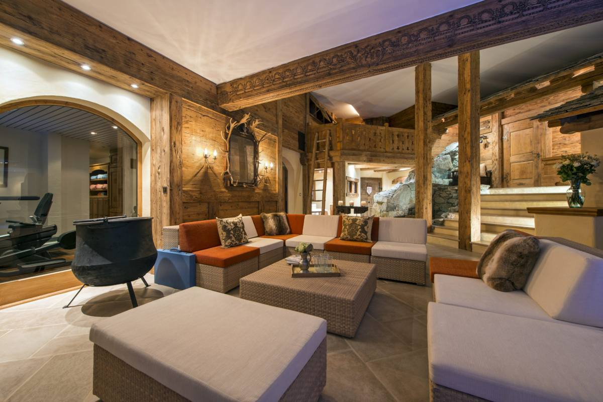 Spa lounge at Chalet Makini in Verbier