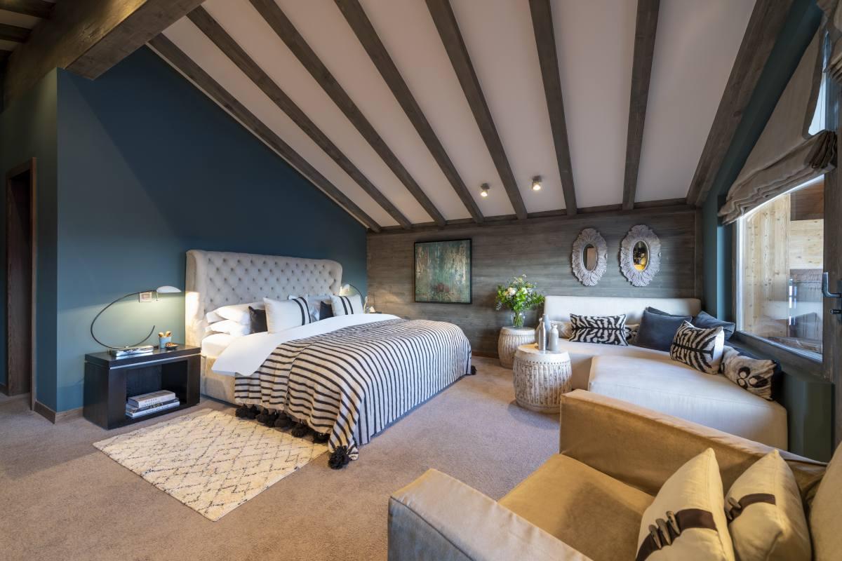 Fourth floor master bedroom at No. 14 Verbier