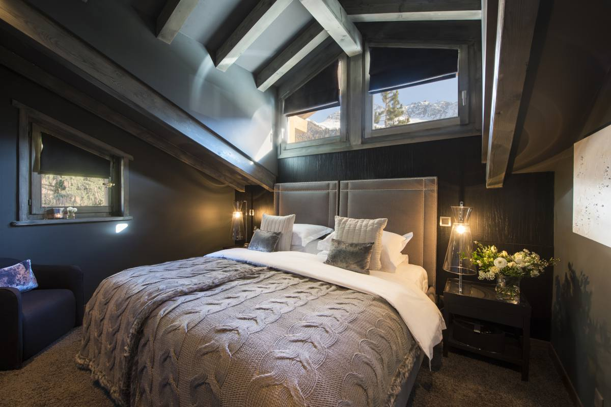 Fourth floor twin/double bedroom at No. 14 Verbier