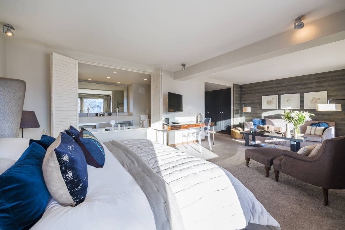 Second floor double bedroom with sitting area at No. 14 Verbier