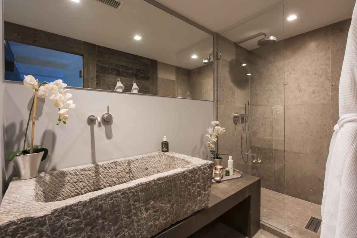 Spa bathroom at No. 14 Verbier