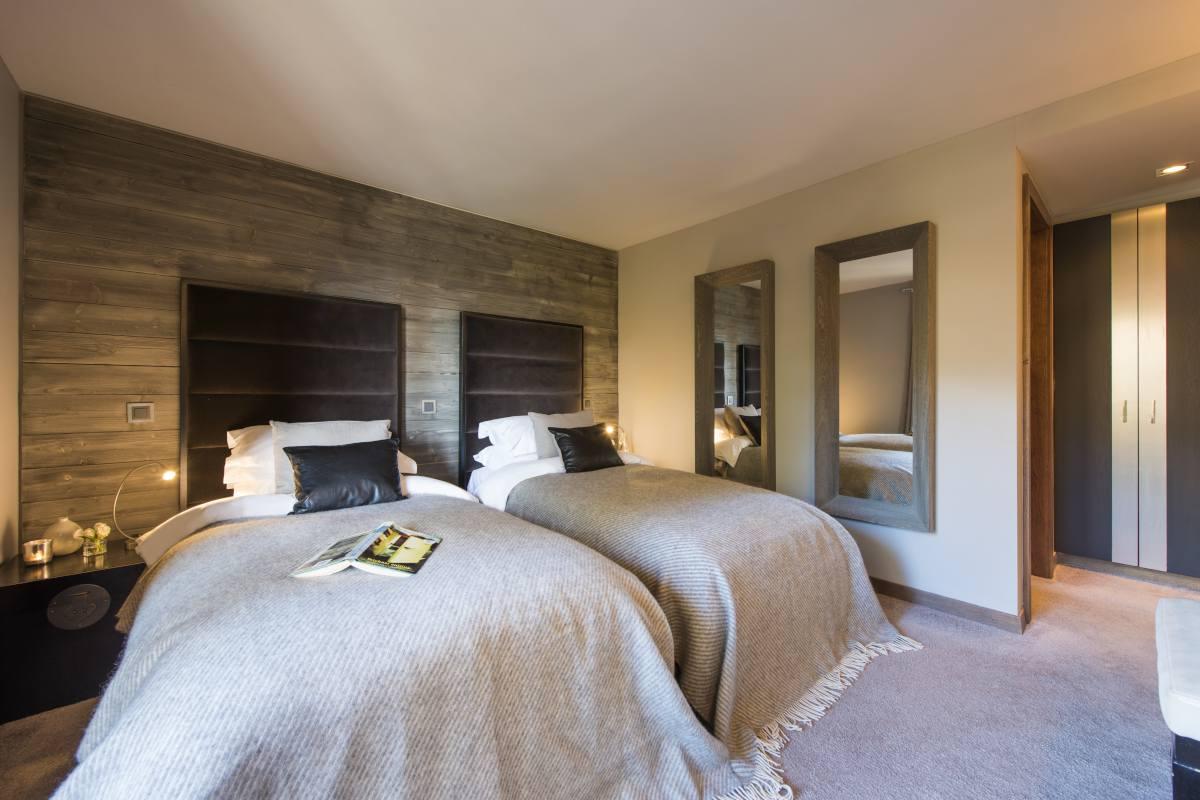Third floor double/twin bedroom at No. 14 Verbier