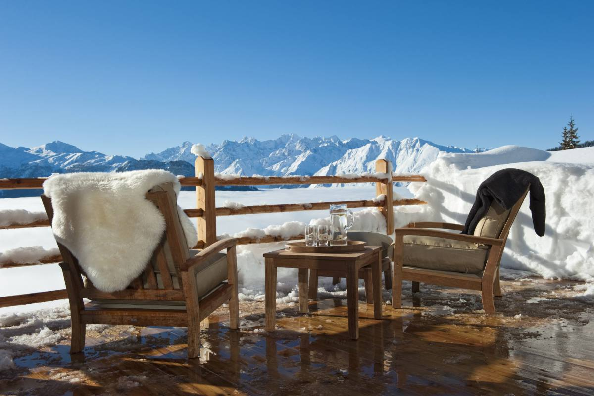 Furnished terrace with mountain views at Chalet Norte in Verbier