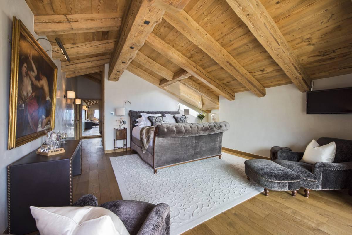 Master bedroom at Chalet Norte in Verbier
