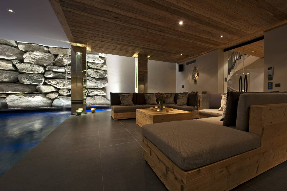 Relaxation lounge at Chalet Norte in Verbier