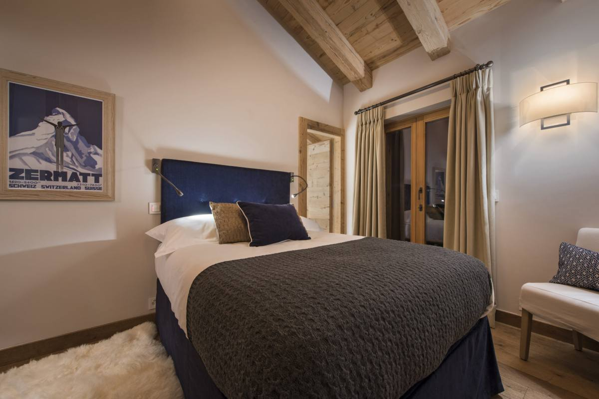 Double bedroom at Chalet Sirocco in Verbier