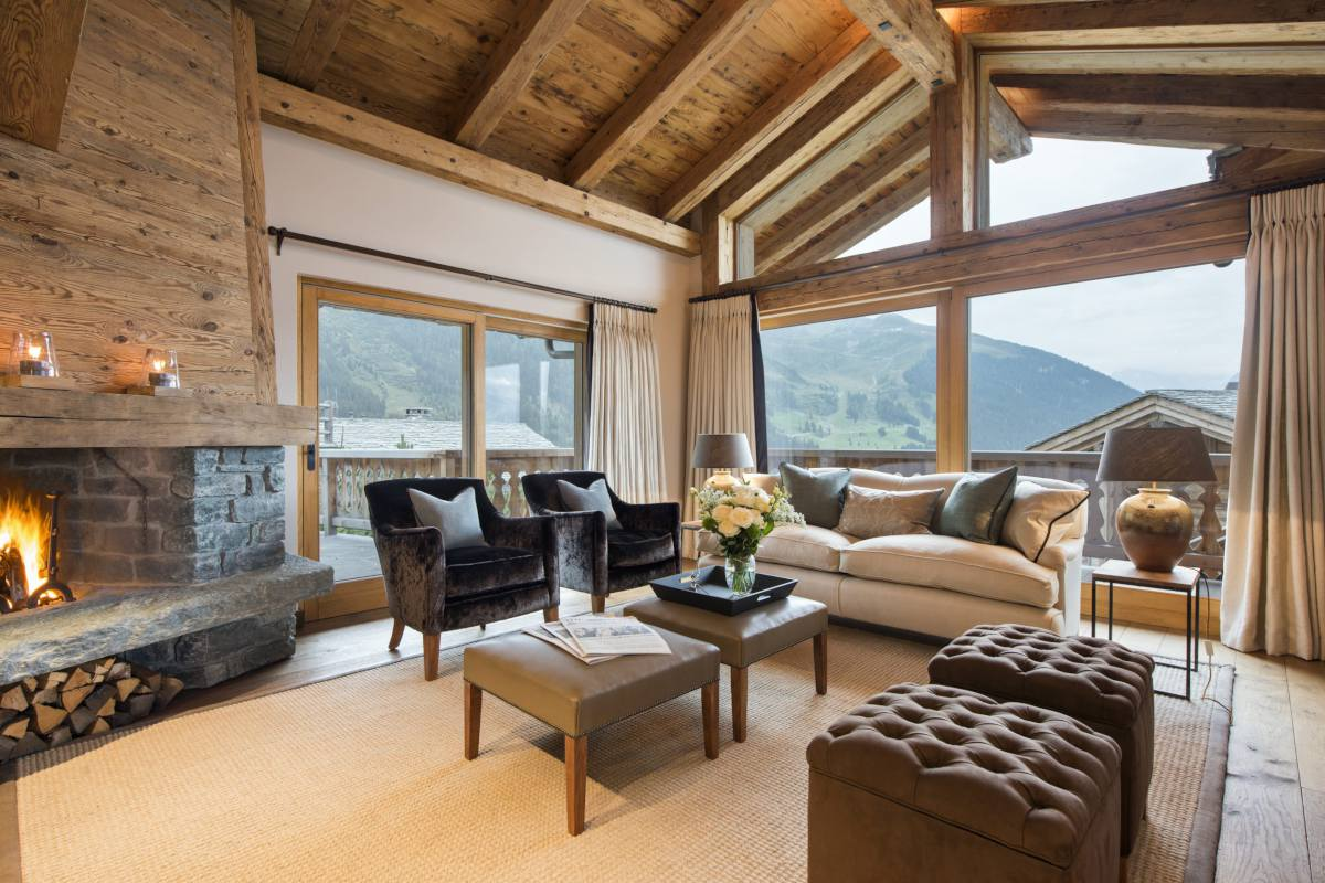 Sitting room with mountain views at Chalet Sirocco in Verbier