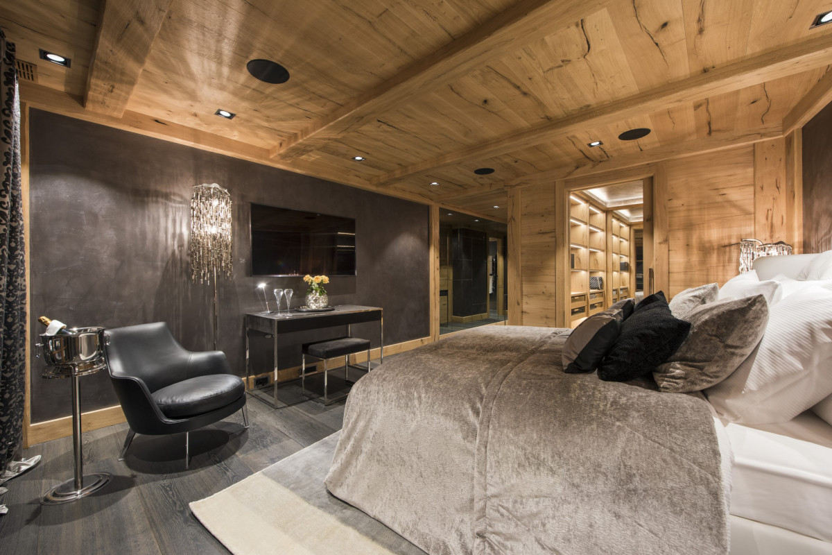 Master suite with champagne on tap at Chalet Aconcagua in Zermatt
