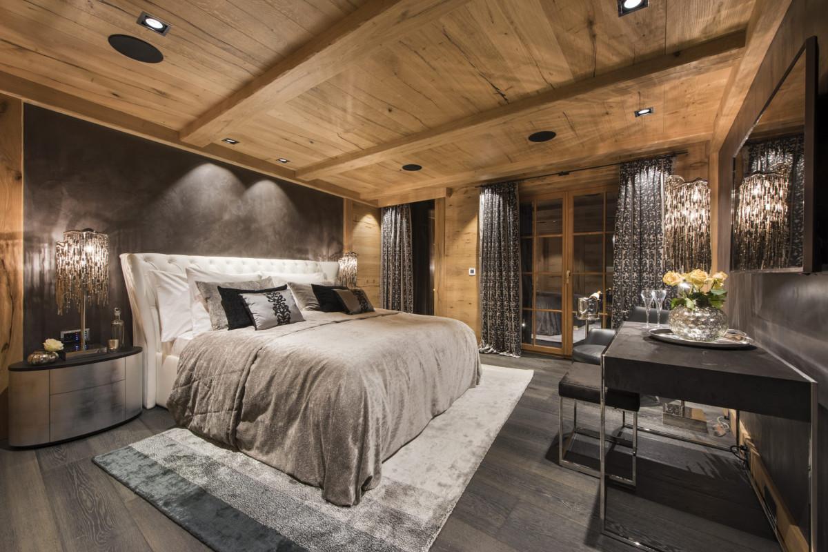 Double bedroom at chalet Aconcagua in Zermatt