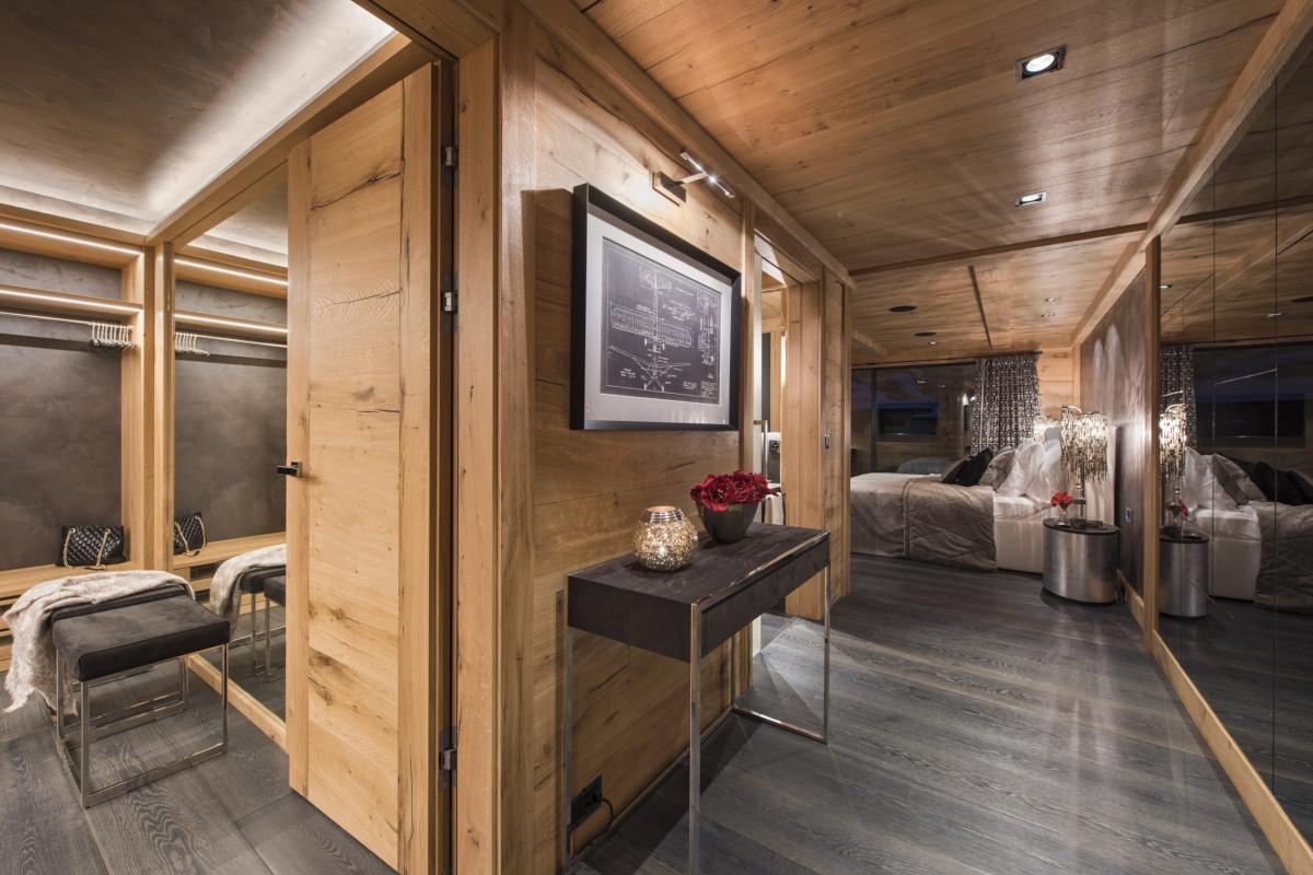 Master suite at chalet Aconcagua in Zermatt