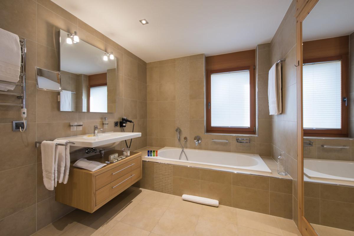 Ensuite bathroom at Apartment Alex in Zermatt