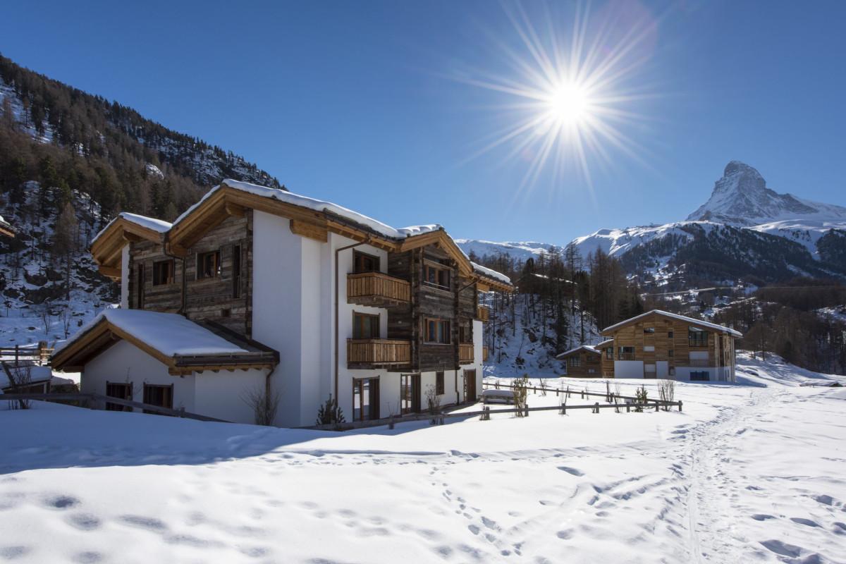 Exterior view of Apartment Alex in Zermatt with Matterhorn views