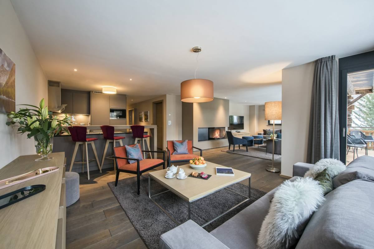 Open-plan living area at Christiania Apartment 7 in Zermatt