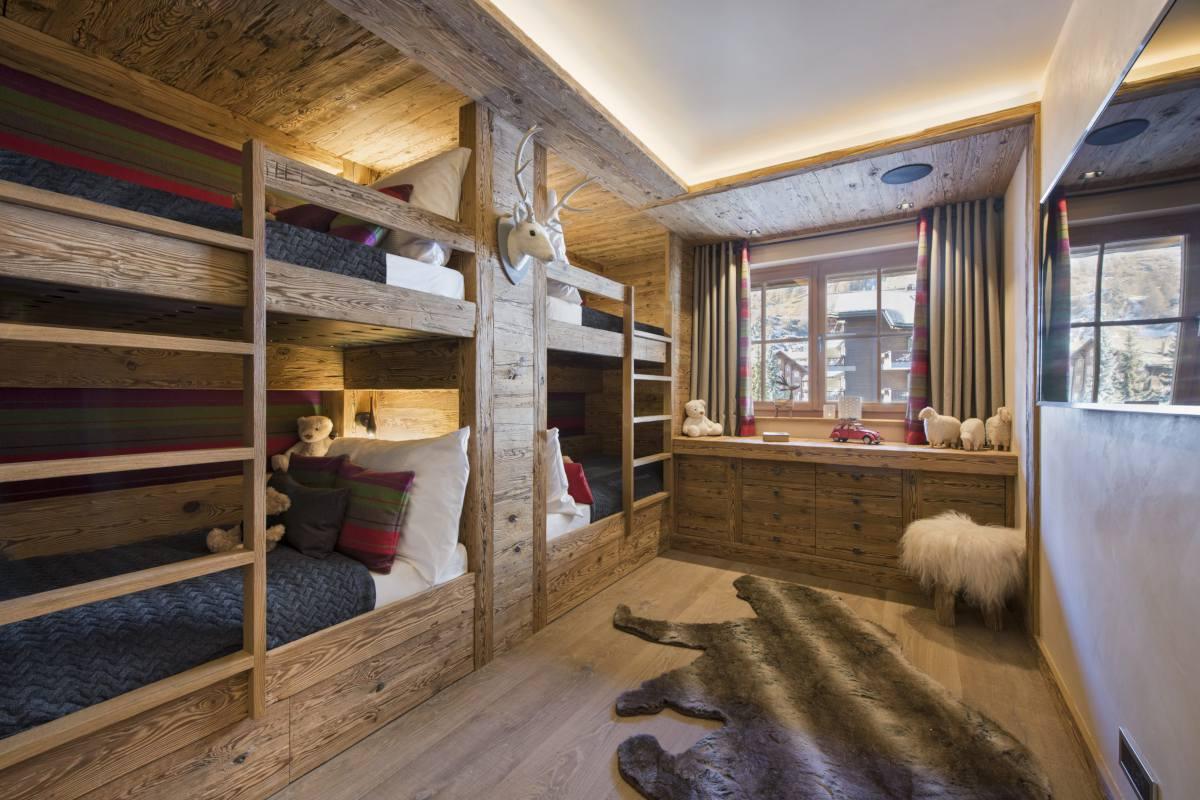 Bunk room at Chalet Elbrus in Zermatt