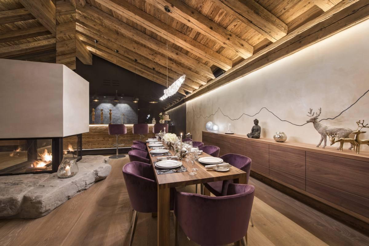 Dining table set for dinner at Chalet Elbrus in Zermatt