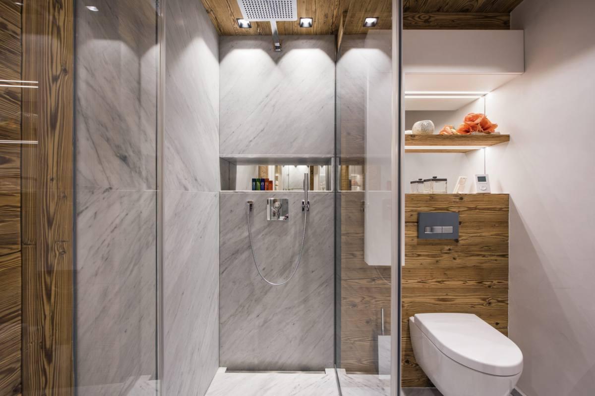 En suite shower room at Chalet Elbrus in Zermatt