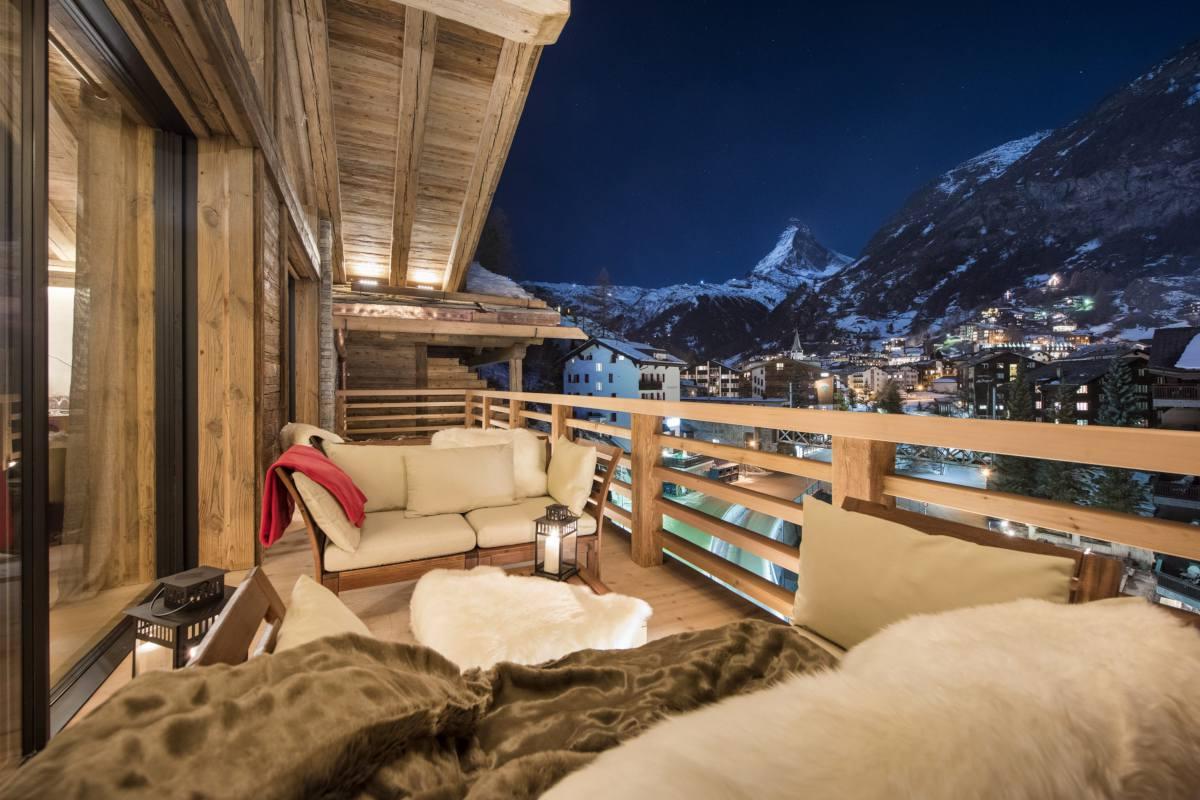Furnished balcony with Matterhorn views at Chalet Elbrus in Zermatt